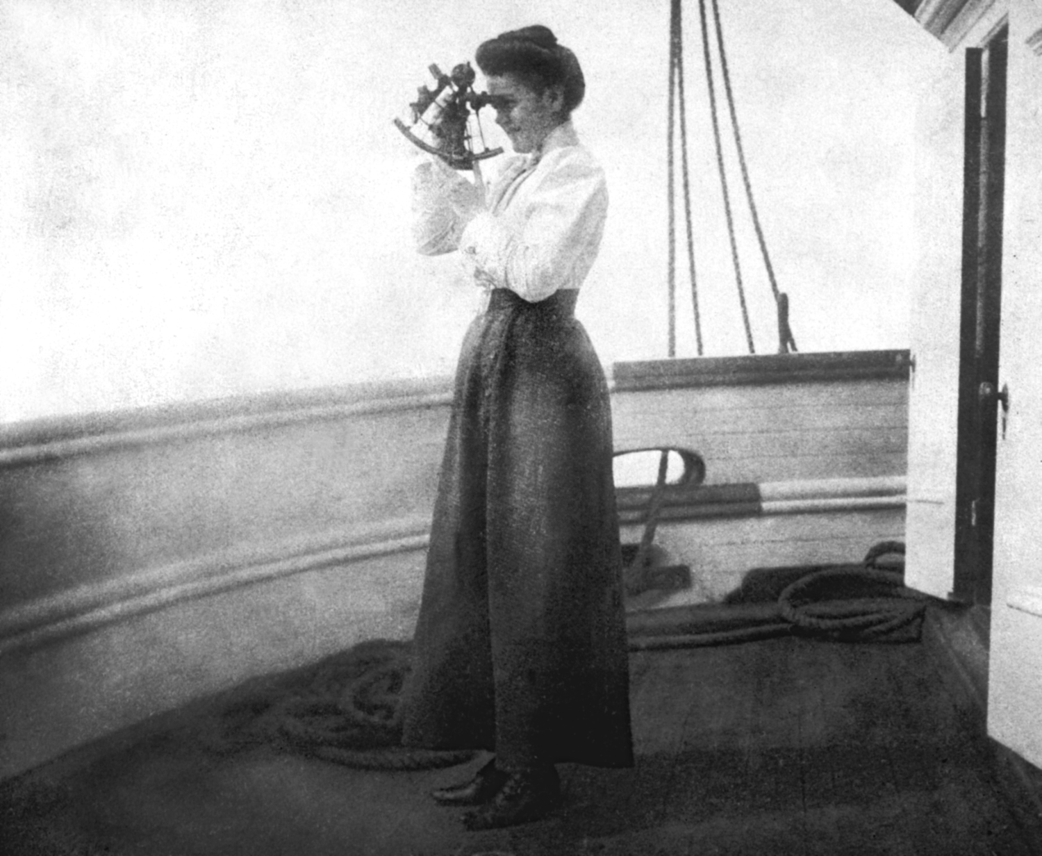 2 19th century women position in great britain position in agnes tapley sailed her husband aboard the bark saint james during the late 19th century
