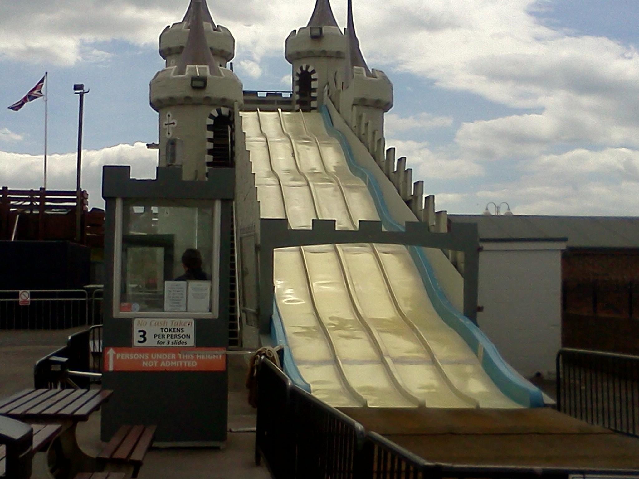 File the giant slide at harbour park - The giant slide apartament ...