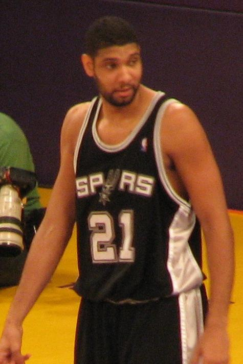 Tim Duncan, Photo By Michael Sandoval [CC-BY-SA-2.0 (www.creativecommons.org/licenses/by-sa/2.0)], via Wikimedia Commons