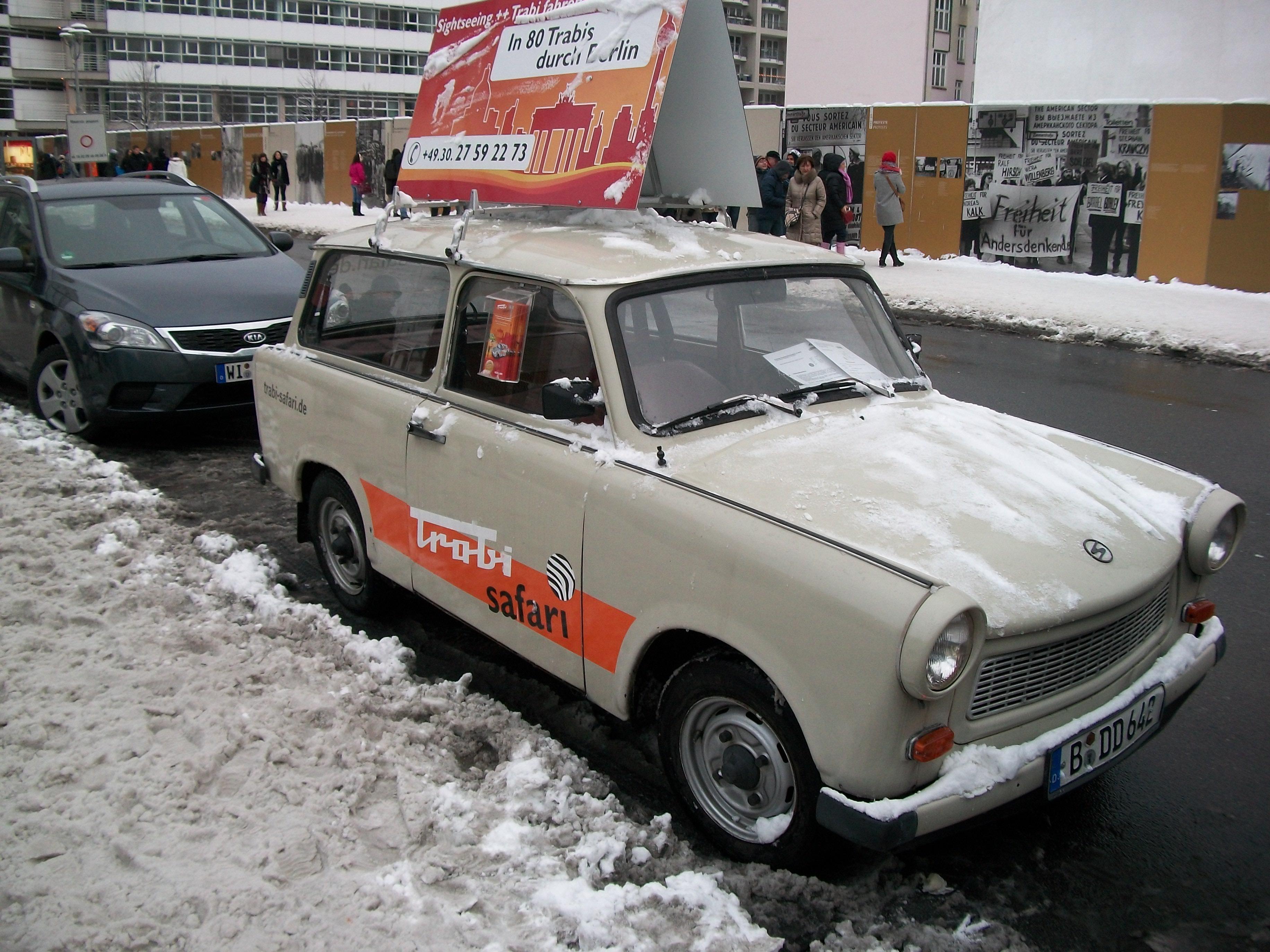File:Trabi Safari car....