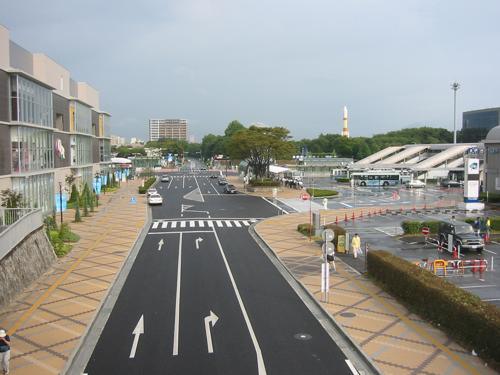 tsukuba center photo with the bus terminal at right