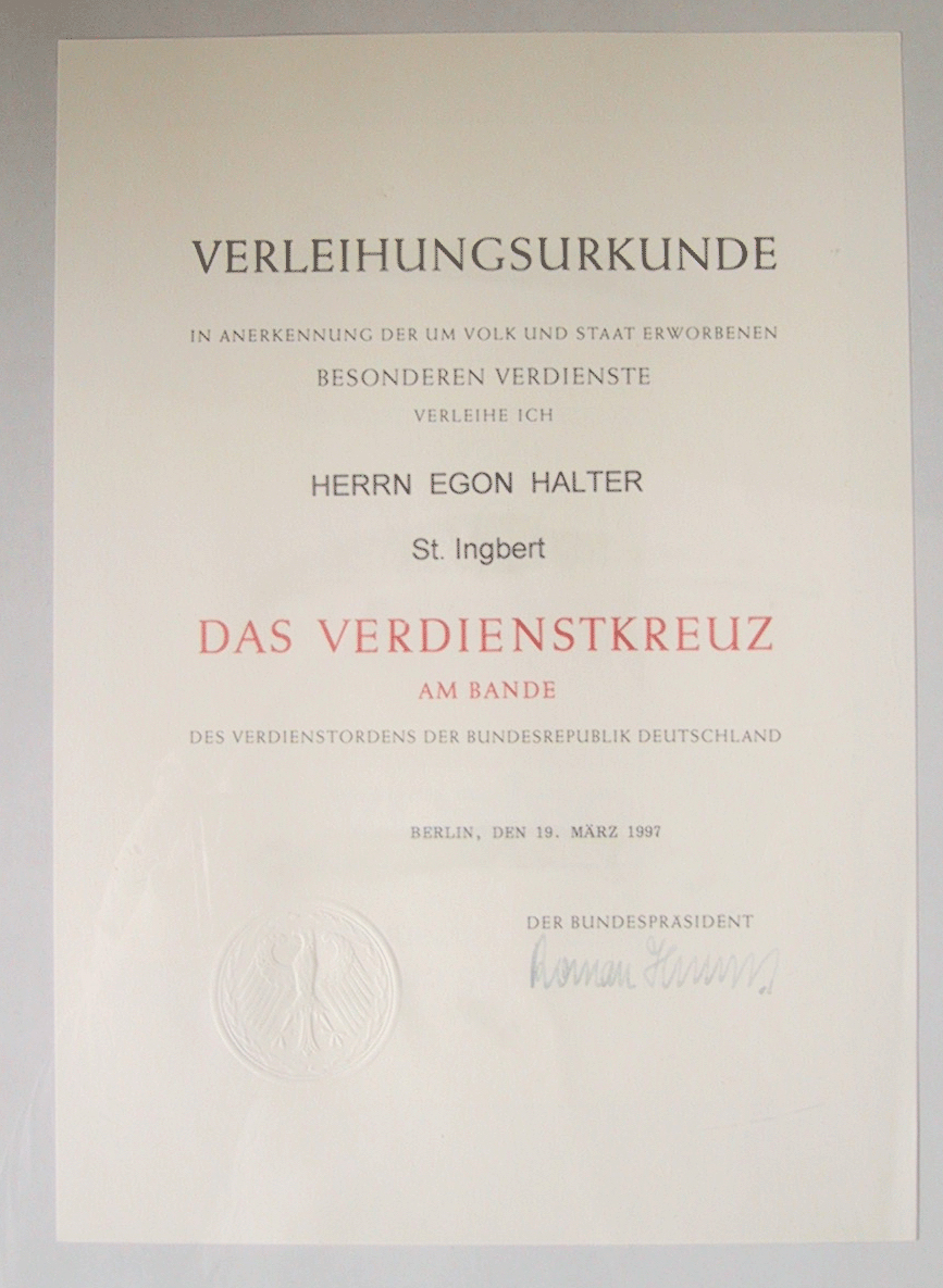 File:Verleihungsurkunde Verdienstkreuz am Bande von Egon Halter.jpg ...