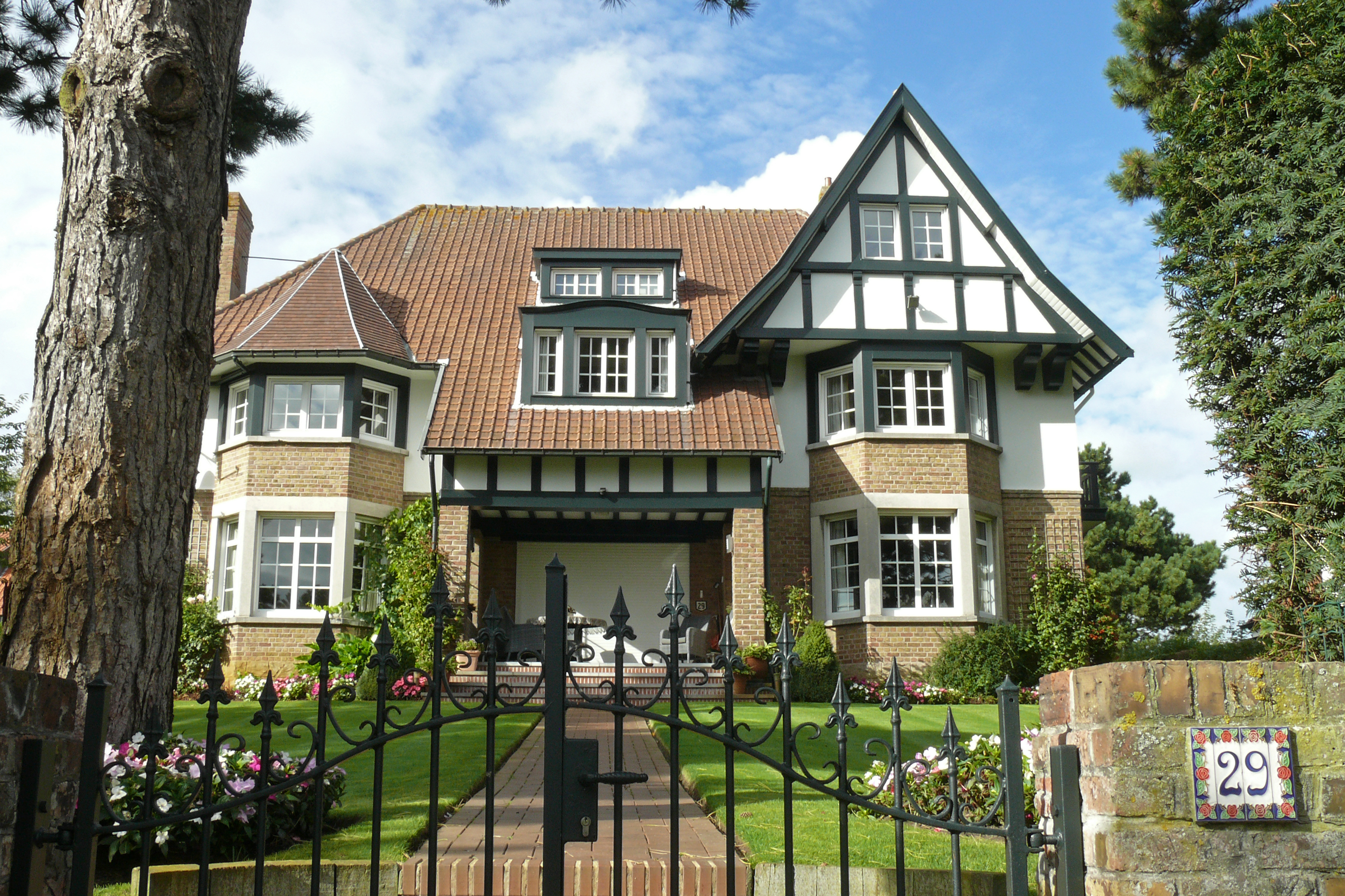 ofbeeldienge villa in cottagestijl naamloos fochlaan 29. Black Bedroom Furniture Sets. Home Design Ideas