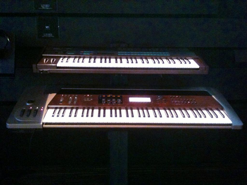 Yamaha Smusic Synthesizer Keyboard