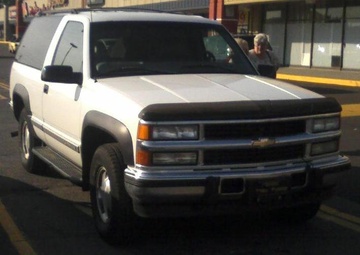 File 97 99 Chevrolet Tahoe 2 Door Jpg Wikimedia Commons