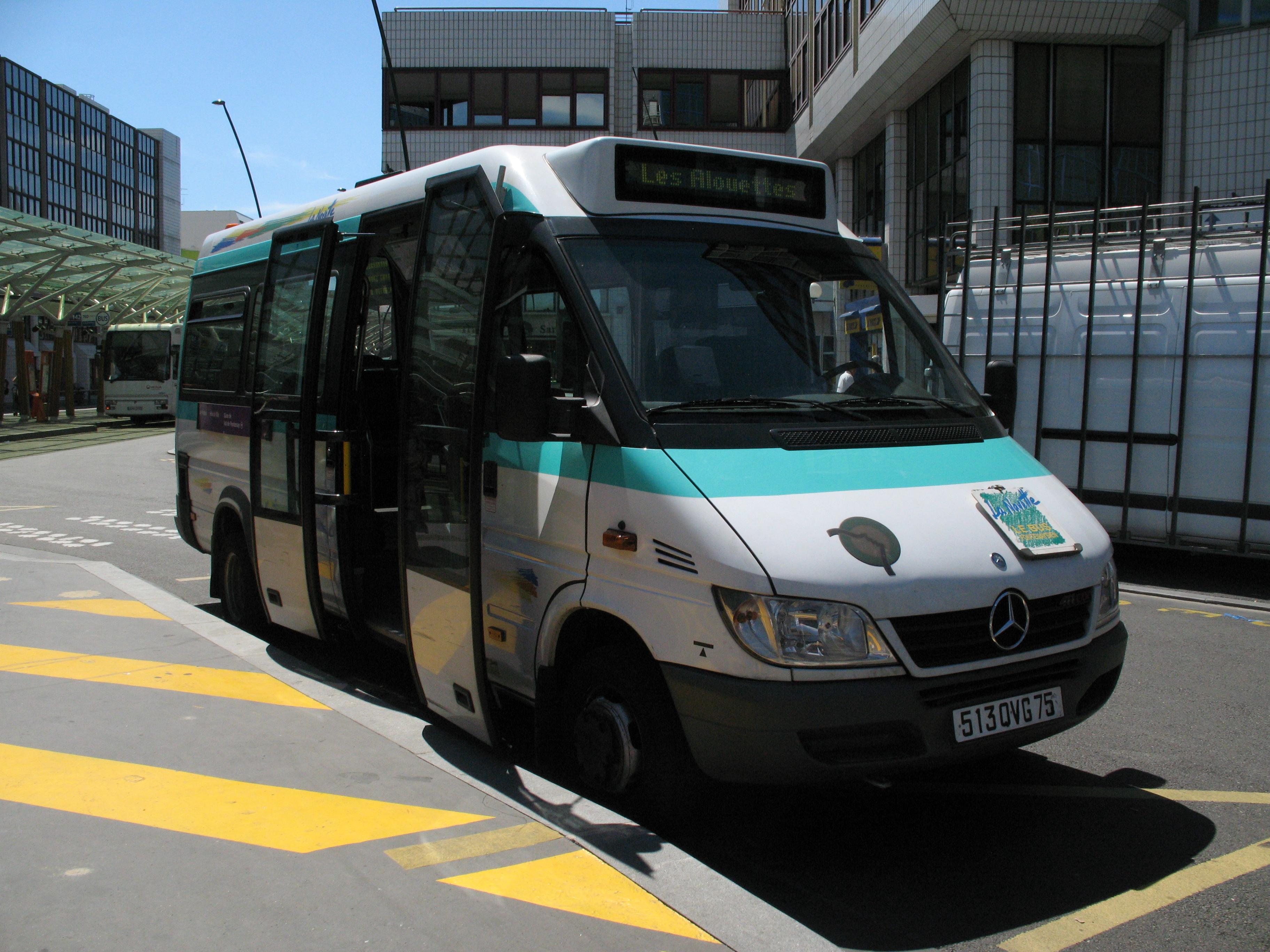 Mini Bus De La Ville Du Bois