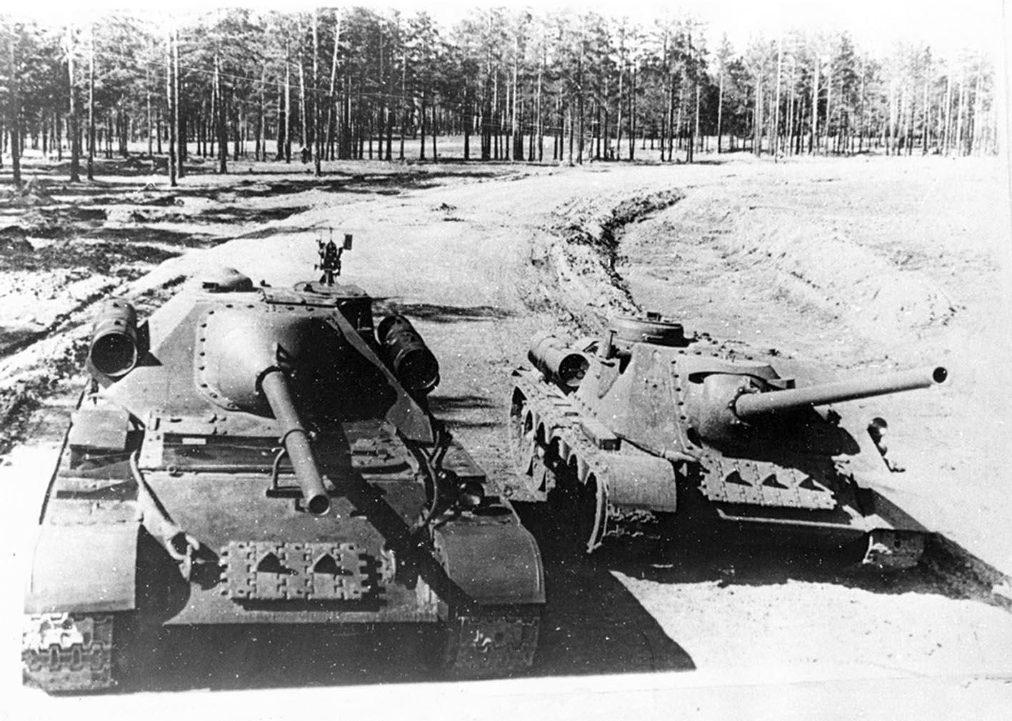 SU-101 and SU-100