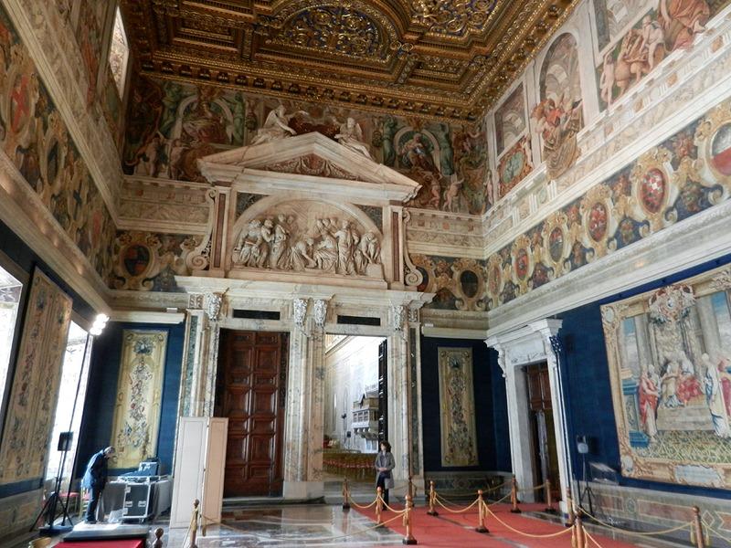 Salone dei corazzieri wikipedia for Interno 5 b b roma