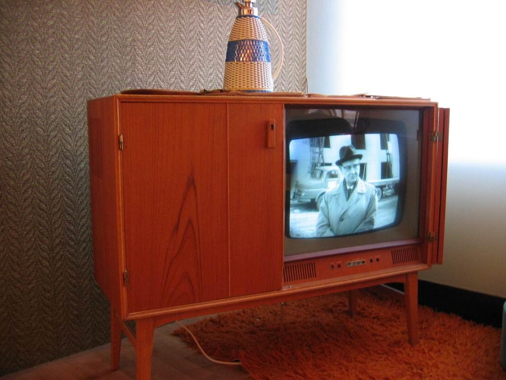 fjernsyn wikipedia. Black Bedroom Furniture Sets. Home Design Ideas
