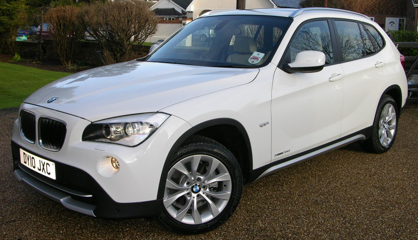 file 2010 bmw x1 sdrive se flickr the car spy 24 jpg wikimedia commons. Black Bedroom Furniture Sets. Home Design Ideas