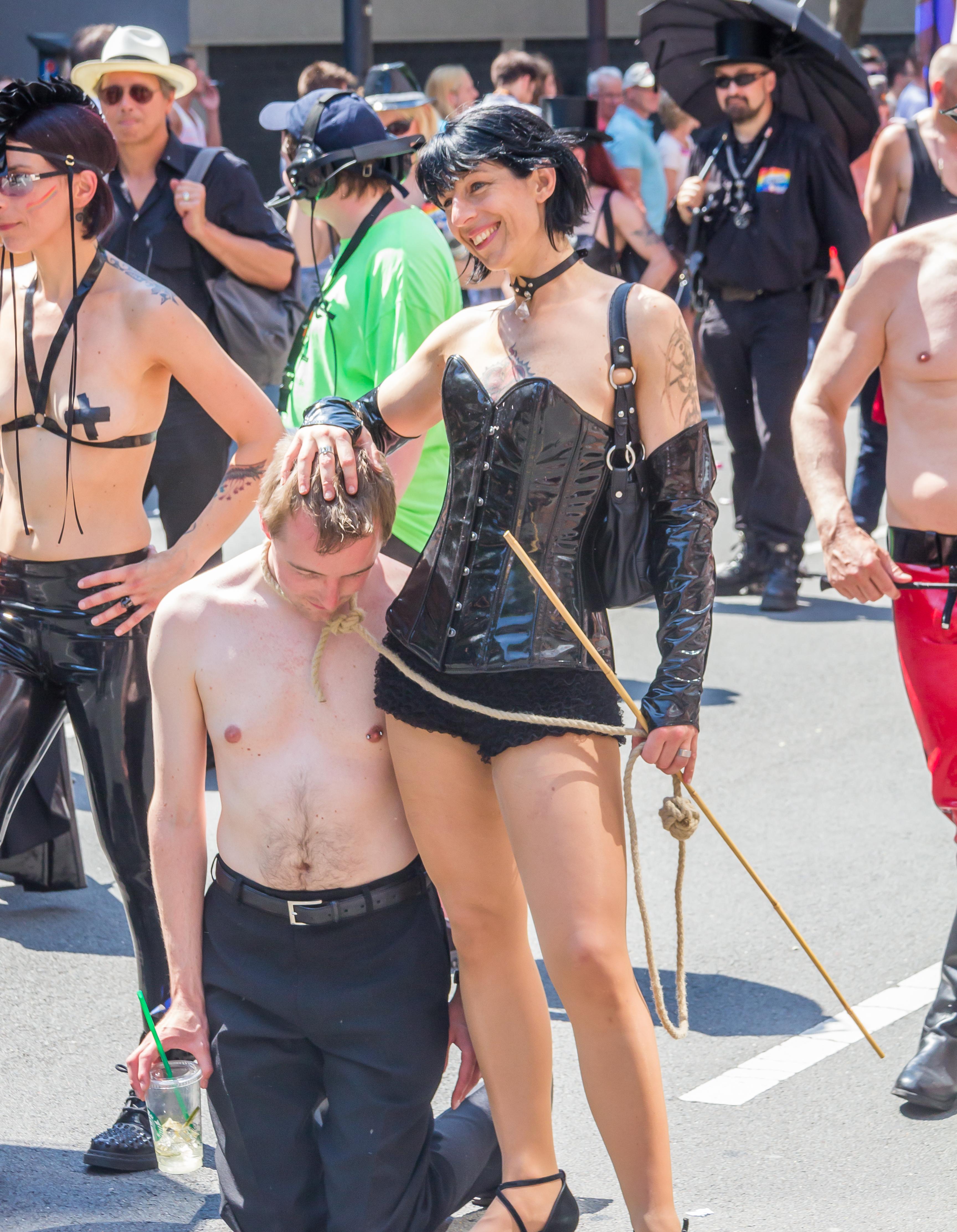 Zeichnungen bdsm Category:Historic BDSM