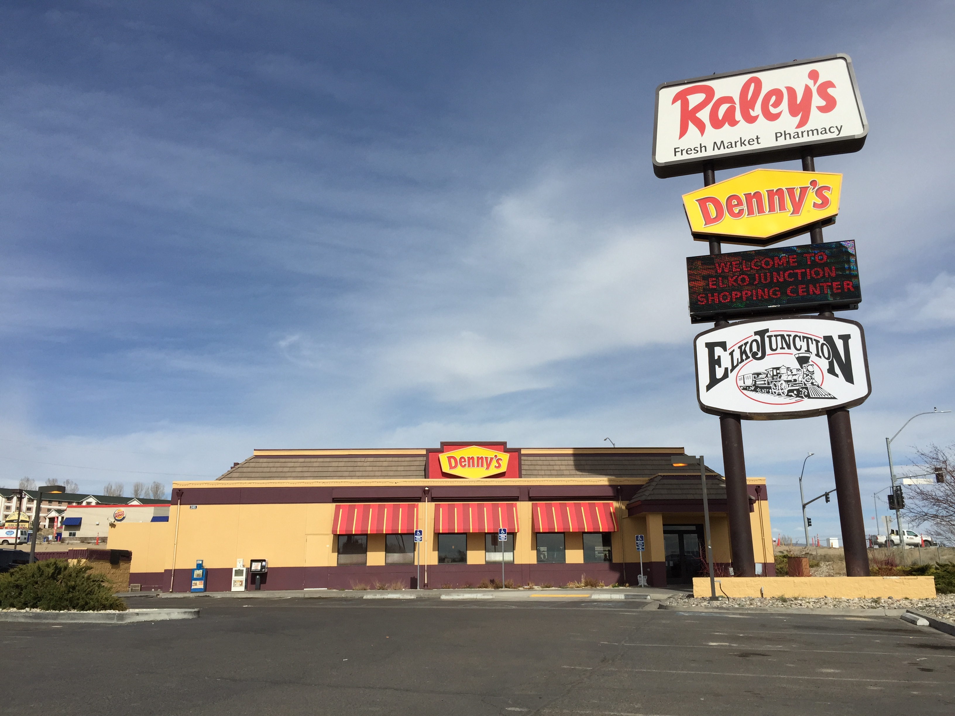 File 2017 03 16 15 09 22 Denny S Restaurant At The Elko Junction