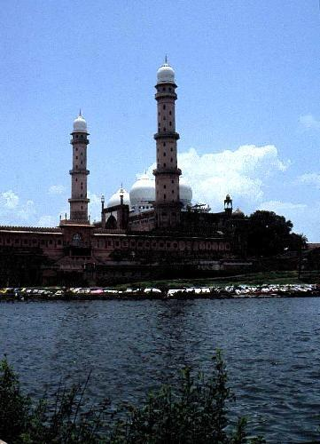 2100914-Tal_ul_Masjid_Bhopal.jpeg