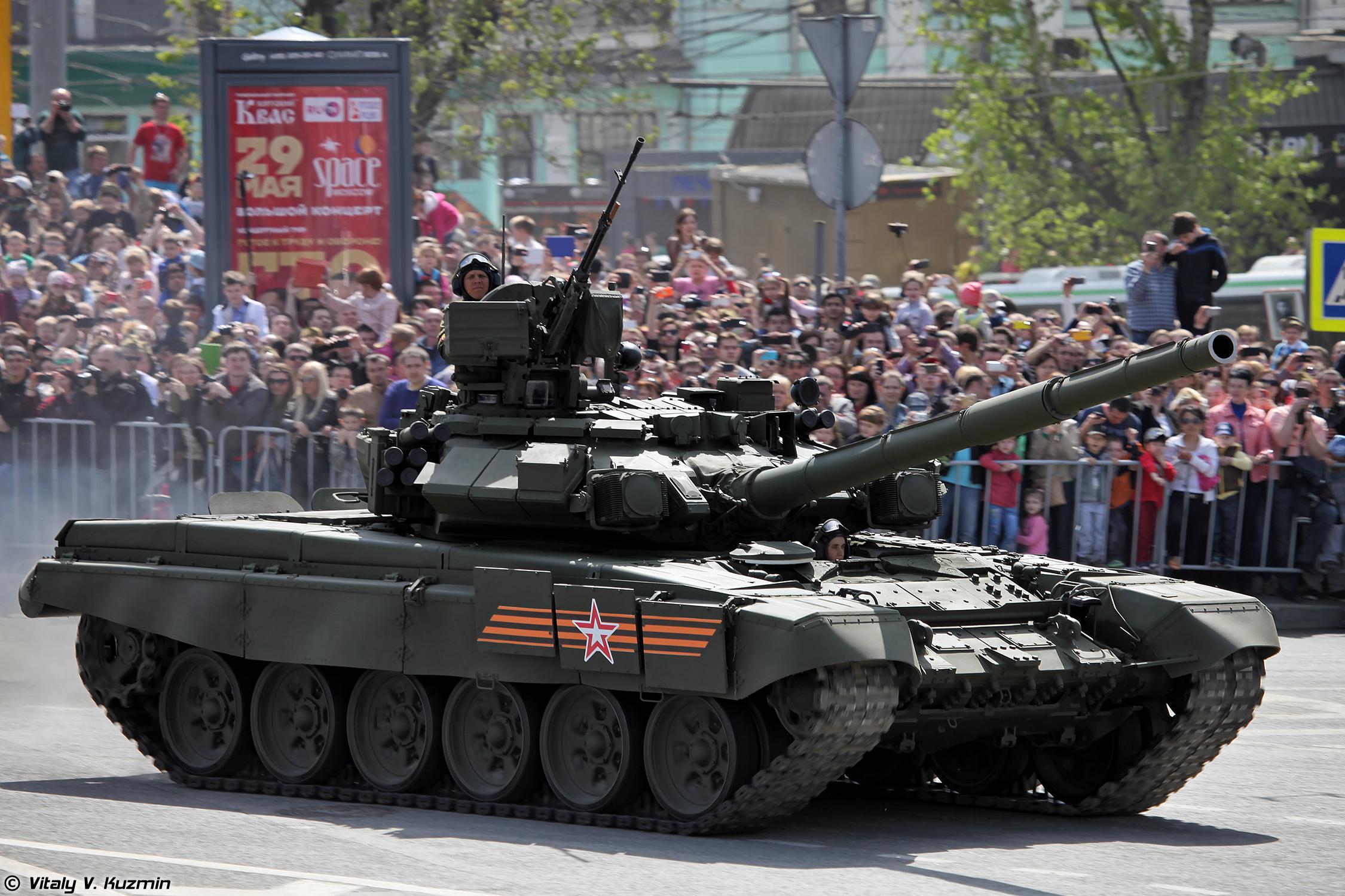 нам фото танков на параде утырь -потому, что