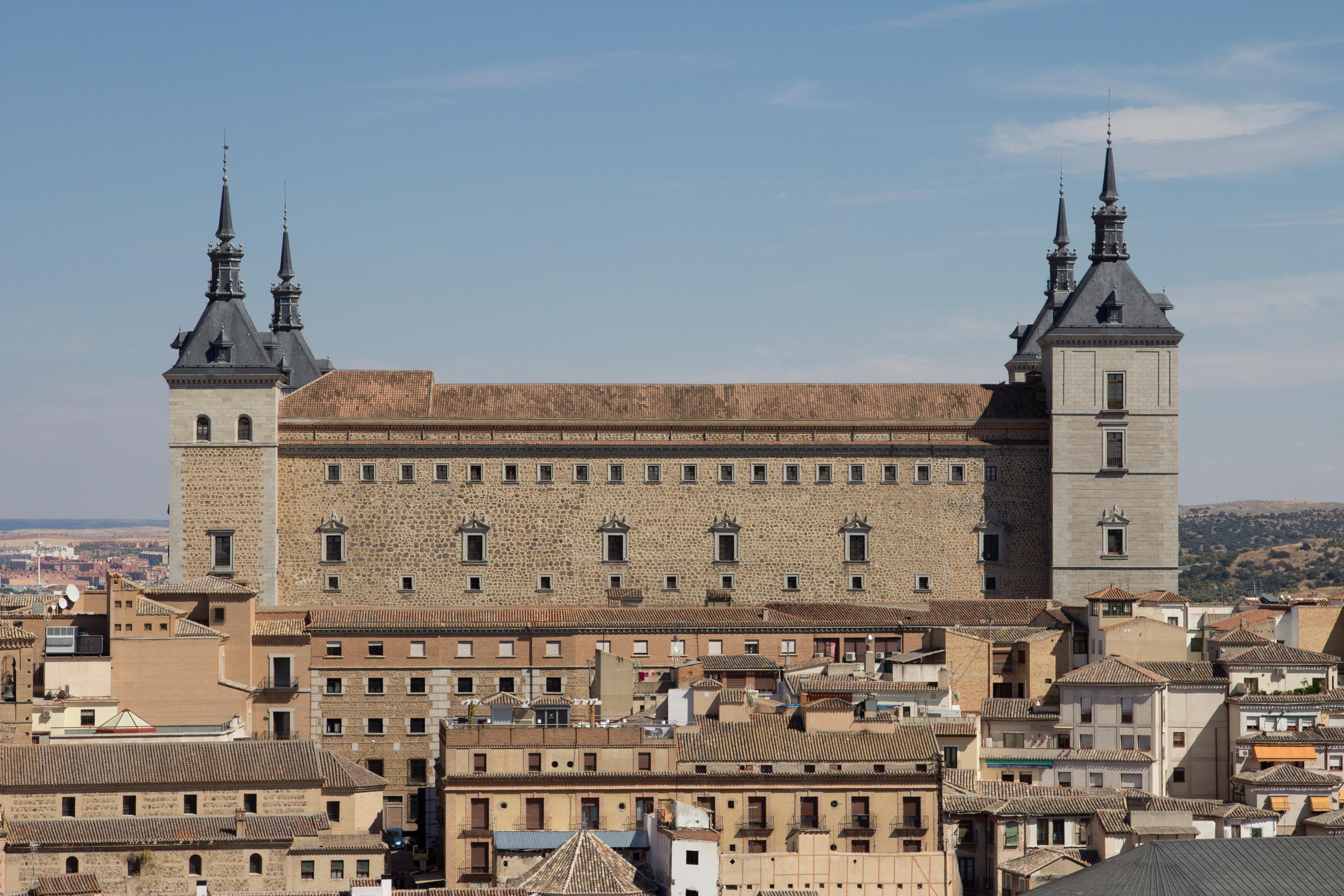 File:Alcázar de Toledo - 01.jpg - Wikimedia Commons