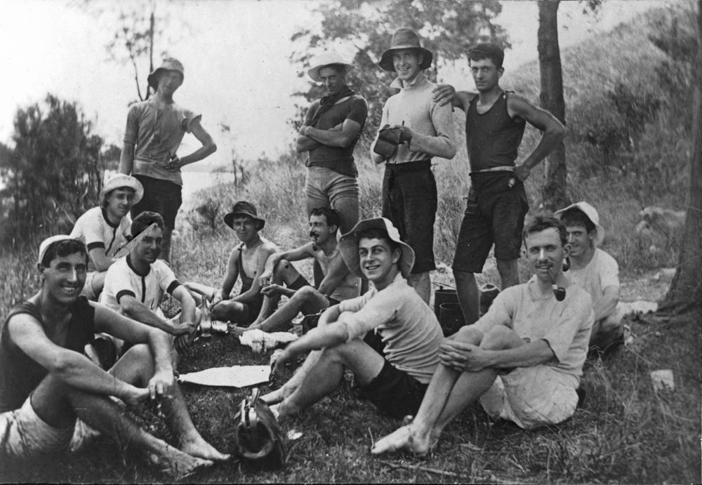 Description Australia Day Picnic 1908.jpg