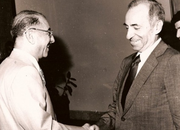 http://upload.wikimedia.org/wikipedia/commons/b/b9/Baath_Party_founder_Michel_Aflaq_with_Iraqi_President_Ahmad_Hasan_al-Bakr_in_Baghdad_in_1968.jpg