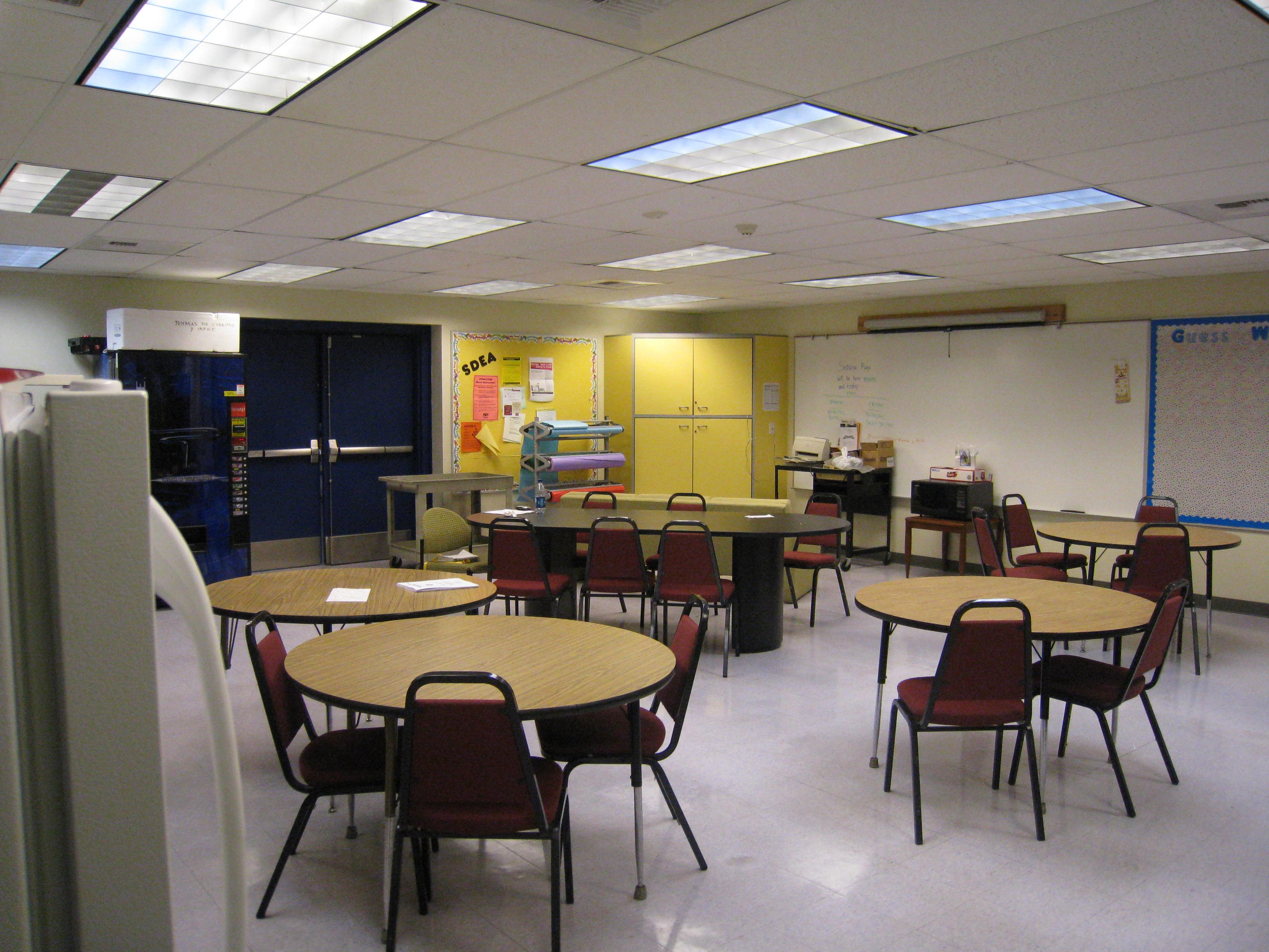Room Decorating Simulator File Before Teacher S Lounge Jpg Wikimedia Commons