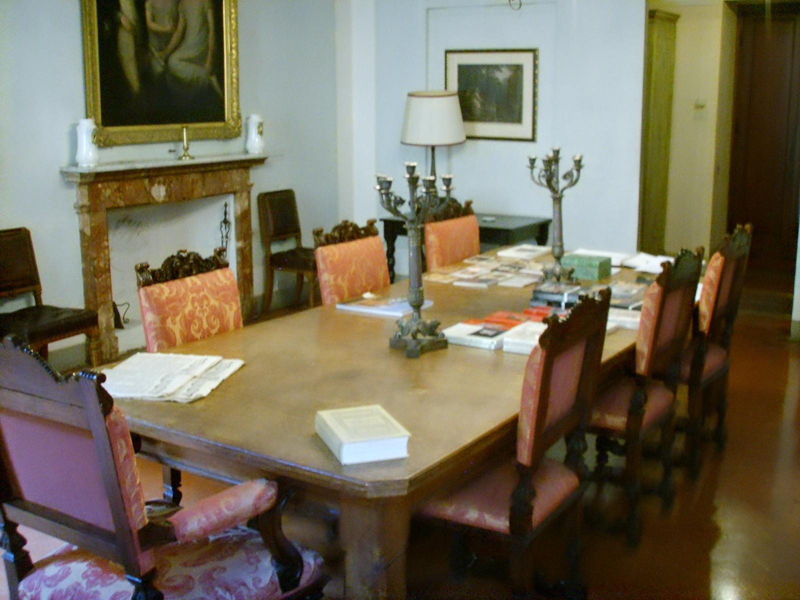 File:Casa Guidi, sala da pranzo 01.JPG - Wikimedia Commons