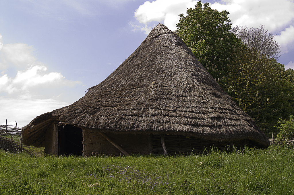 how to build a celtic roundhouse bbc