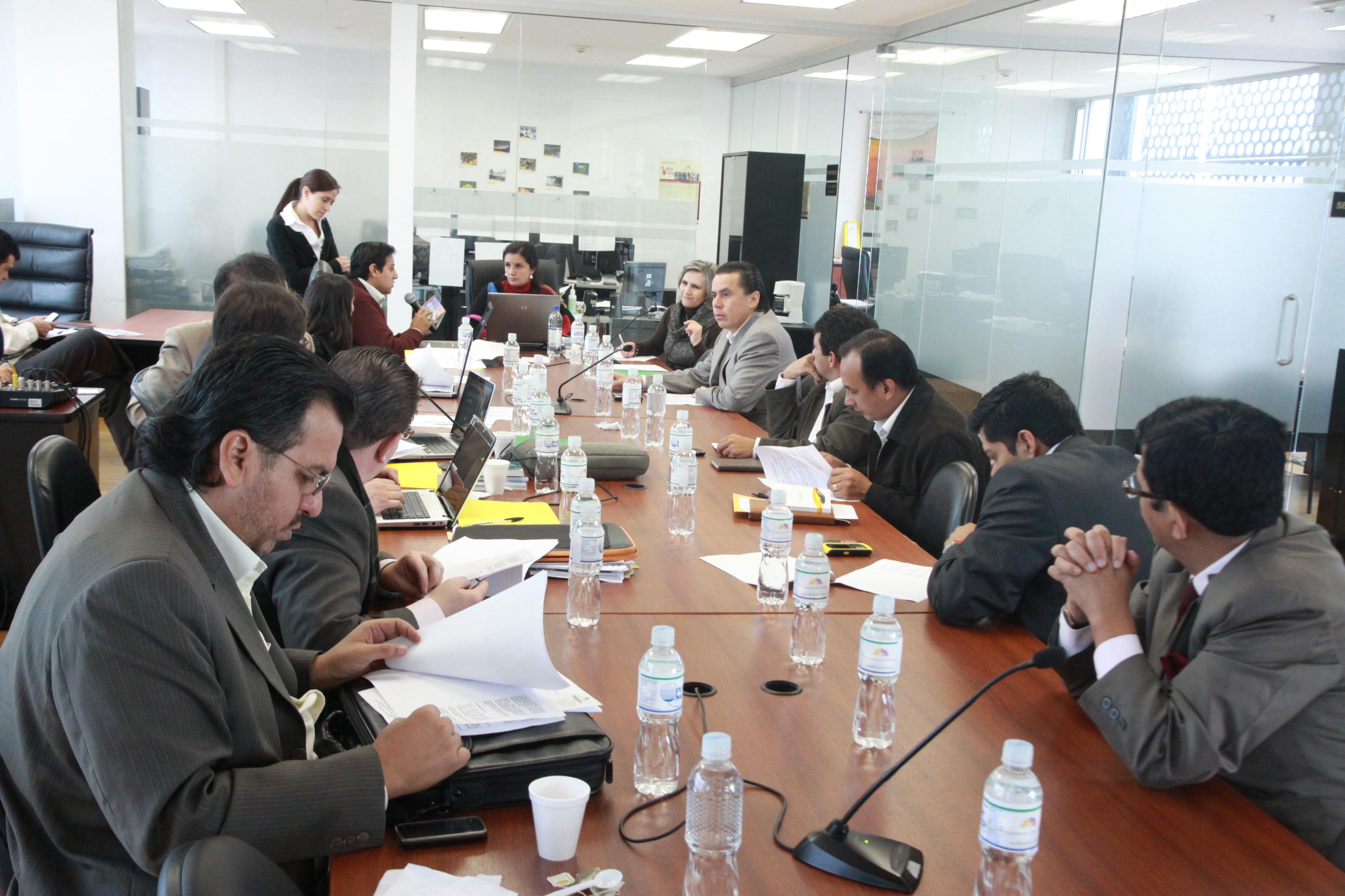 Comisión de Biodiversidad y Recursos no Renovables (5452030524).jpg Español: Foto: Hugo Ortiz Ron / Asamblea Nacional Date 16 February 2011