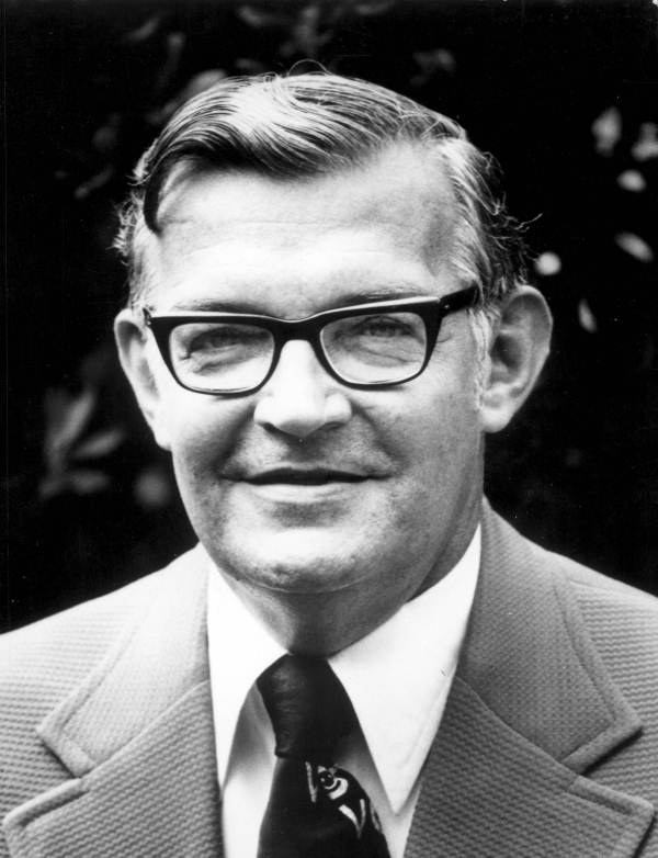 Tom Lewis American Politician Wikipedia