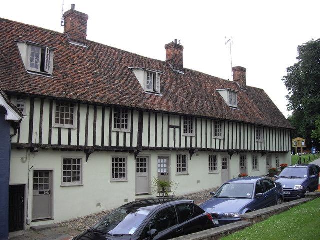 Cottages off Church Street Saffron Walden - geograph.org.uk - 1374785