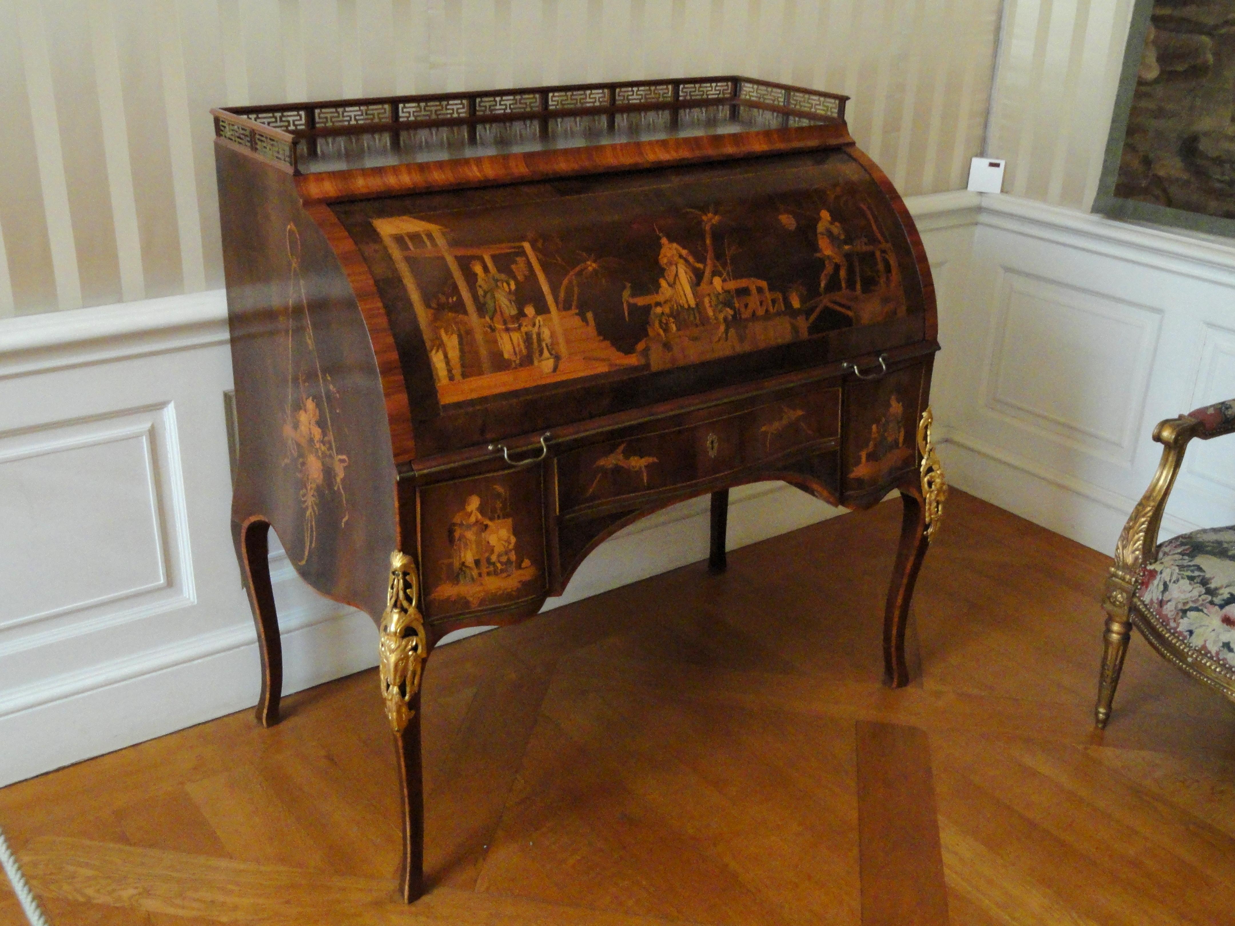 Filecylinder Desk David Roentgen Münchner Residenz Dsc07475