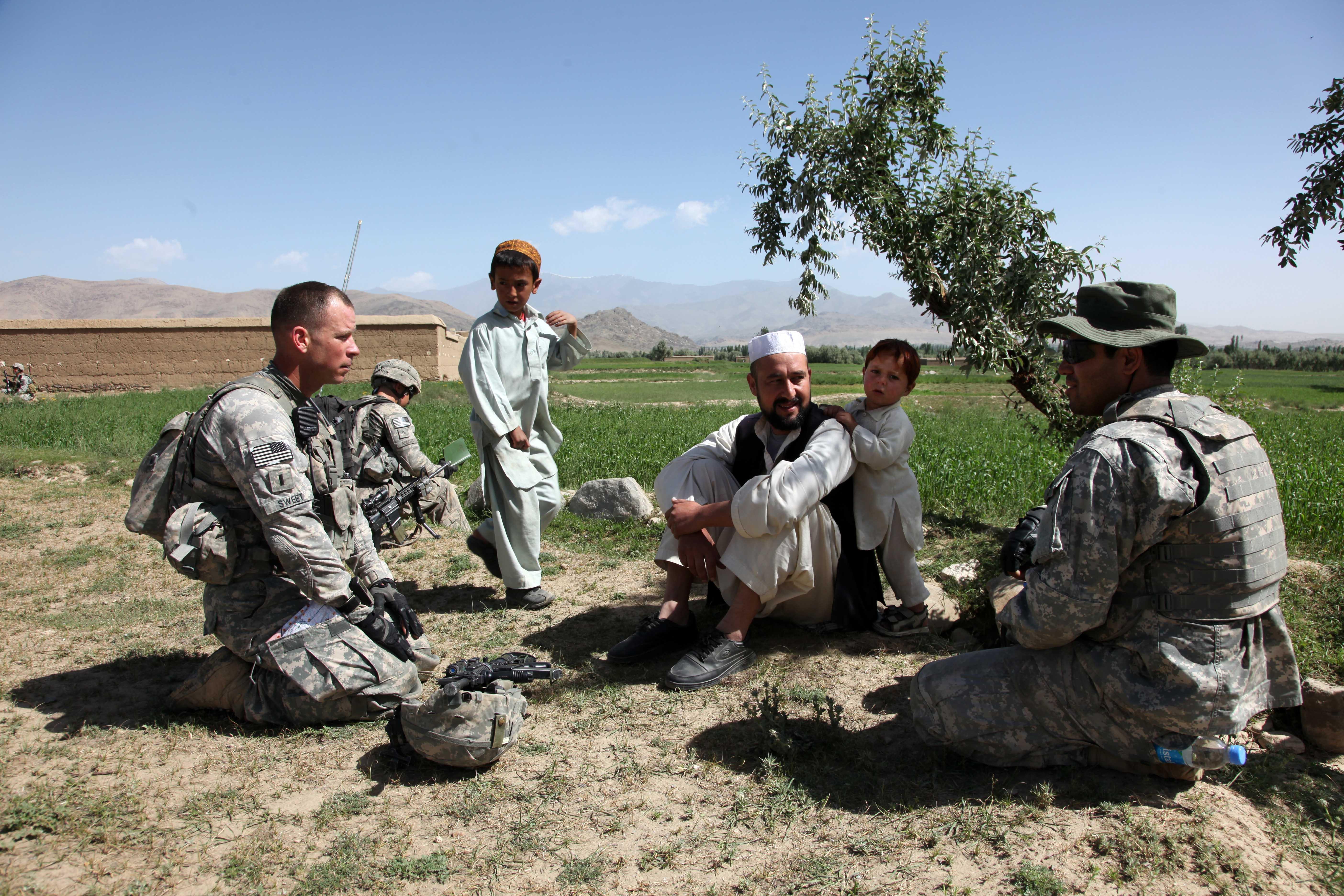 File:Defense.gov News Photo 100527-A-6225G-046 - U.S. Army 1st Lt ...