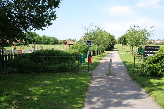 File:Dorothy Avenue Playing Field, Glen Parva - geograph.org.uk - 179460.jpg