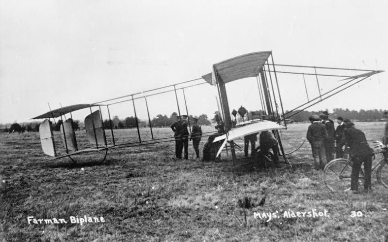 Farman_pusher_biplane_RAE-O1027.jpg