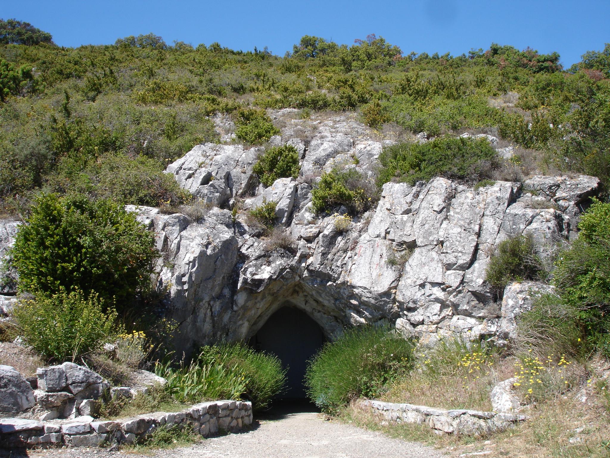 Grotte de limousis wikiwand for Audiovisuel exterieur de la france