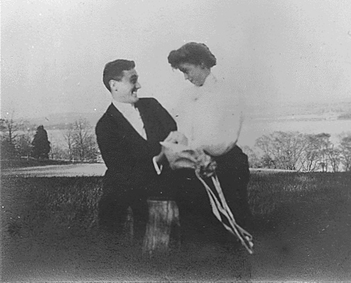 Franklin D. Roosevelt and Eleanor Roosevelt, informal shot in Newburgh, New York 05-07-1905