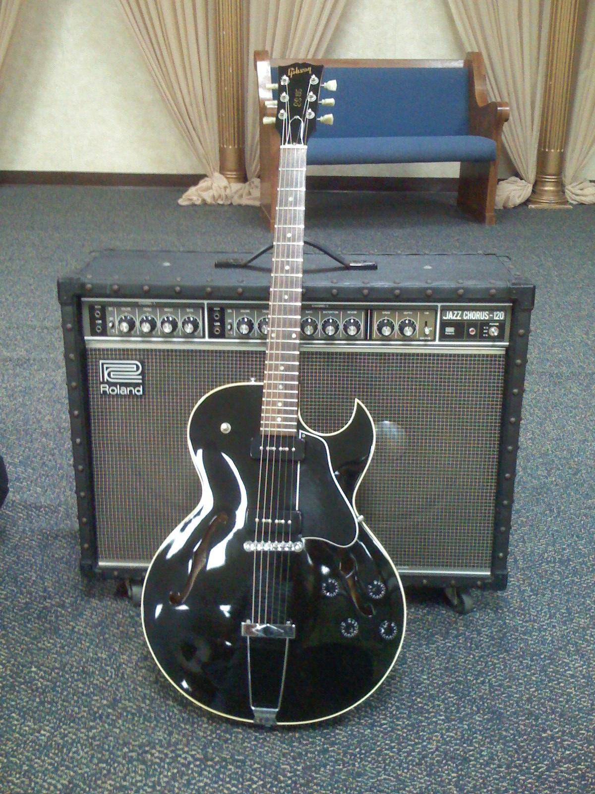 Gibson ES-135 - Wikipedia