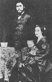 山本権兵衛と妻・登喜子/Wikipediaより引用