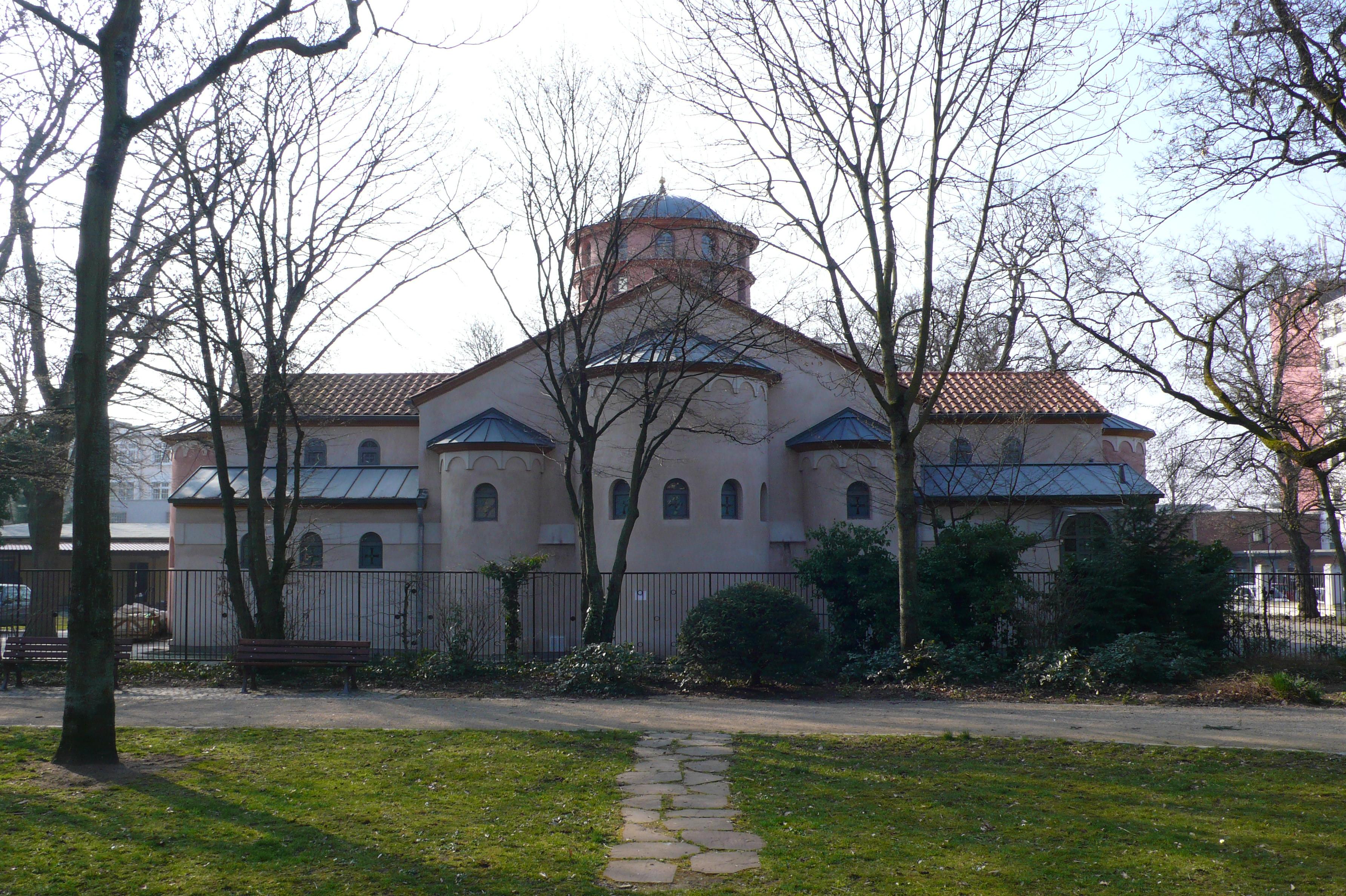 Datei:Griechisch-orthodoxe Kirche Frankfurt-Bockenheim.JPG