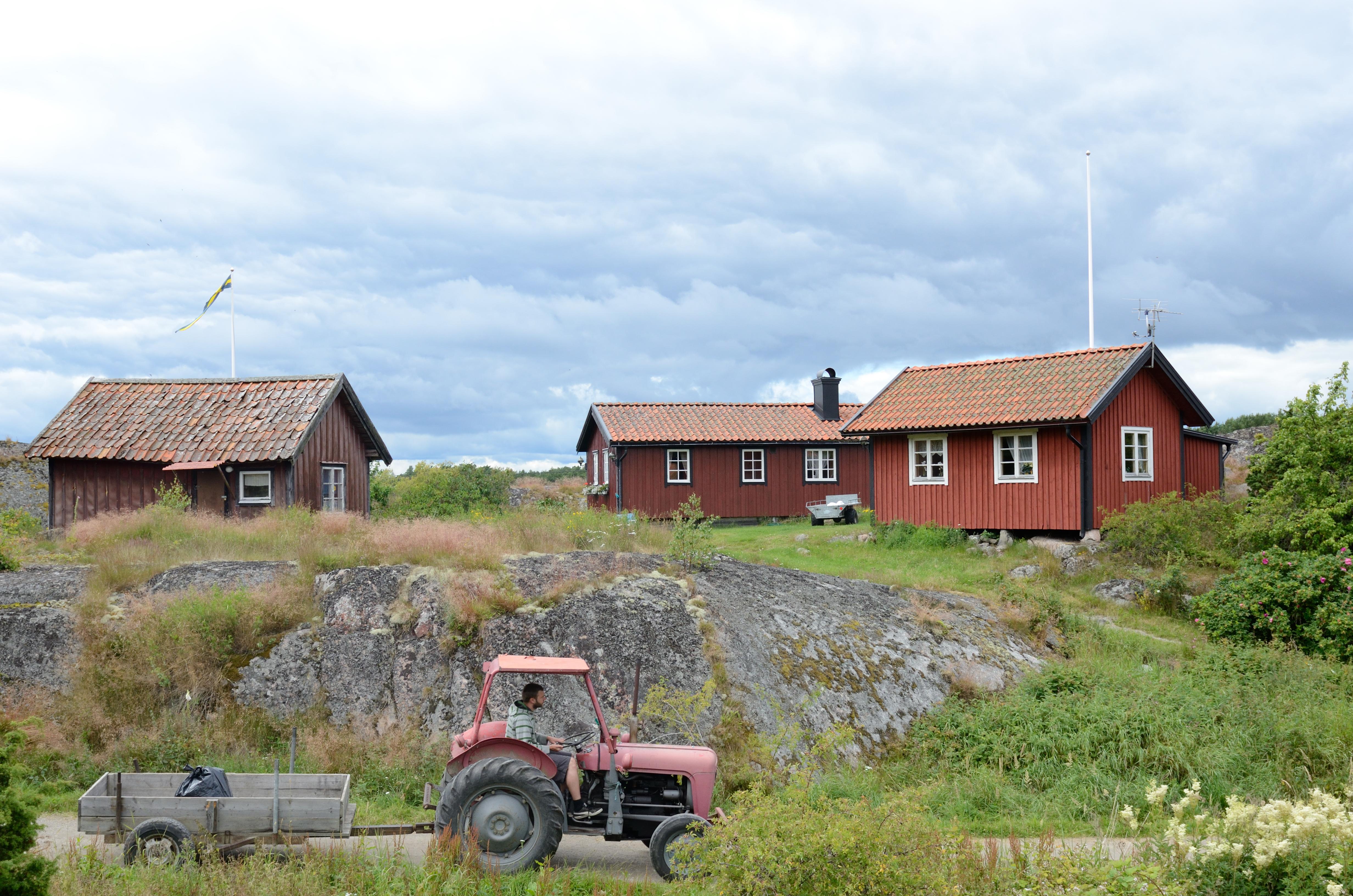 Traktorkörning på Harstena