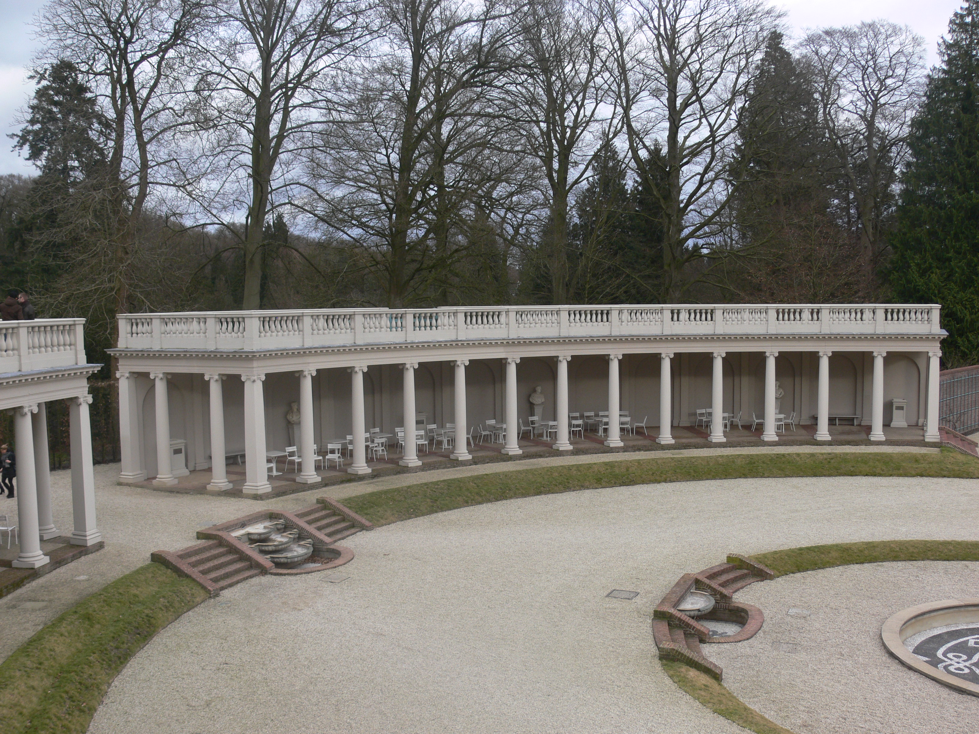 FileHet Loo Palace columns and gardenJPG Wikimedia Commons