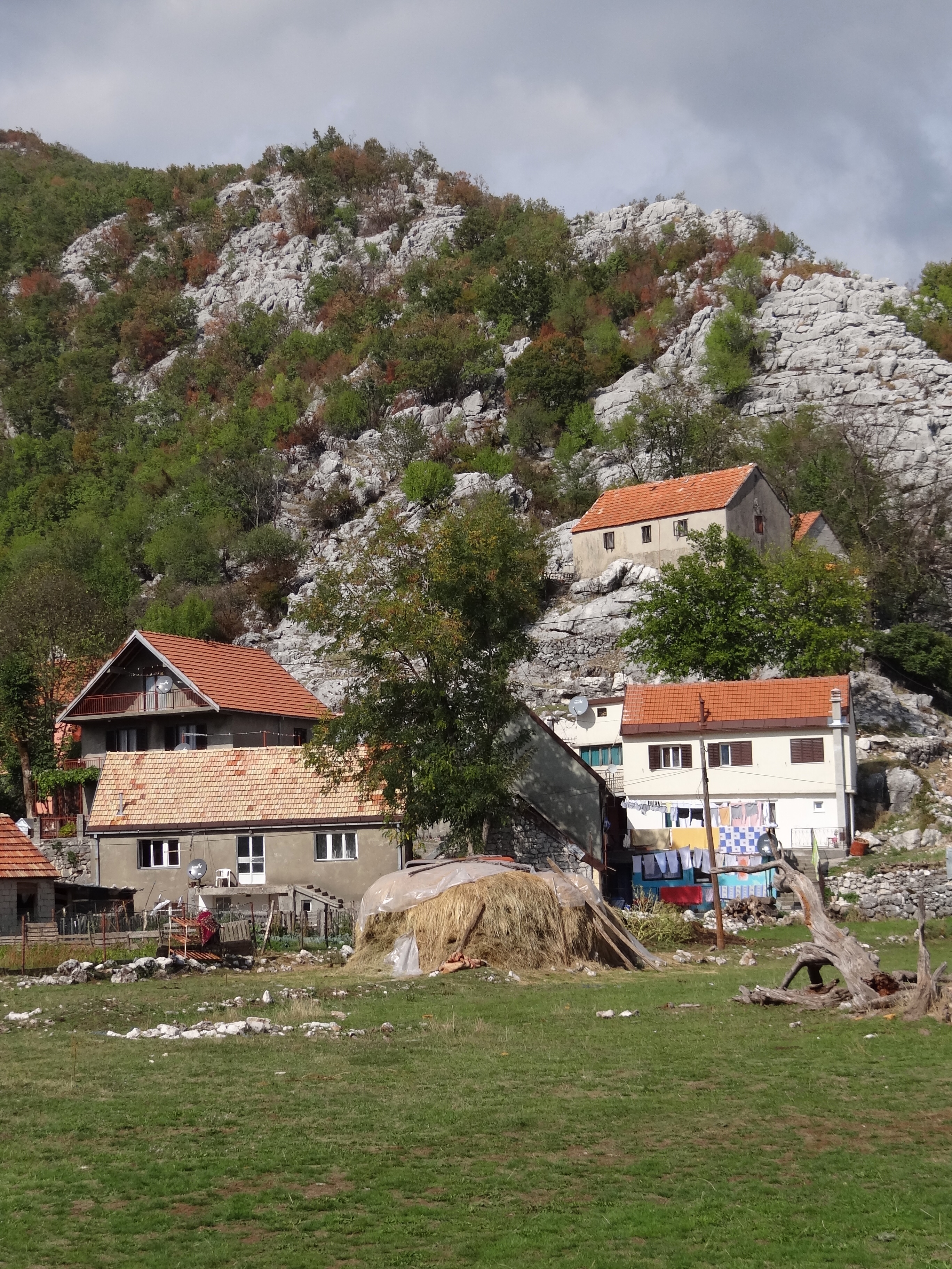 File:House and Gardens with Stony Mountain Backdrop - Cetinje ...
