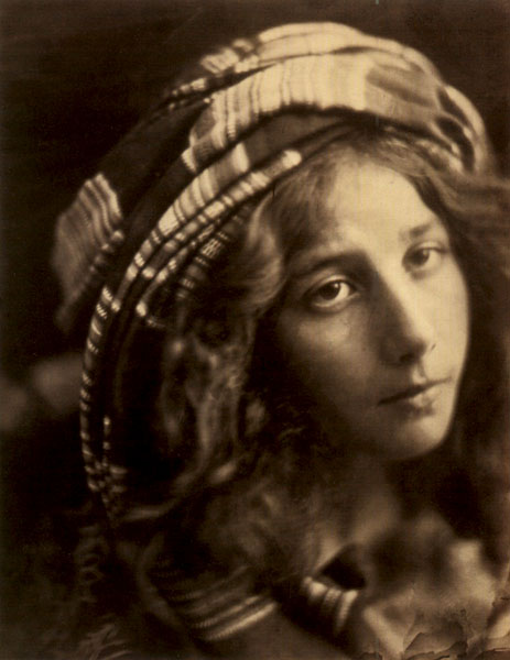 Julia_Margaret_Cameron_A_Study_of_the_Cenci.jpg