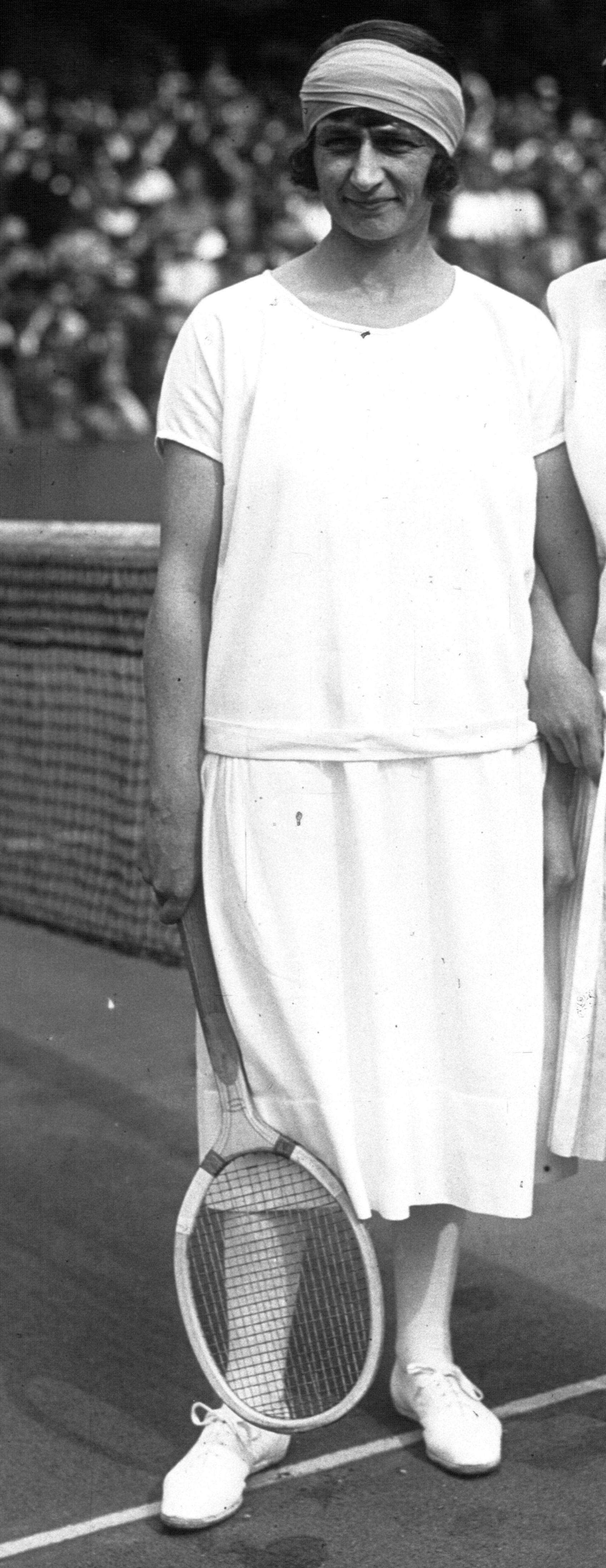 Kathleen McKane 1925.jpg