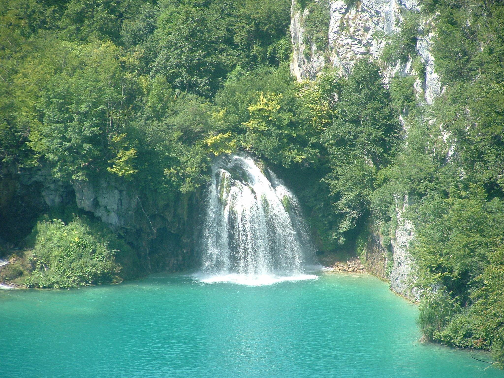 File laghi di wikipedia for Disegni di laghi