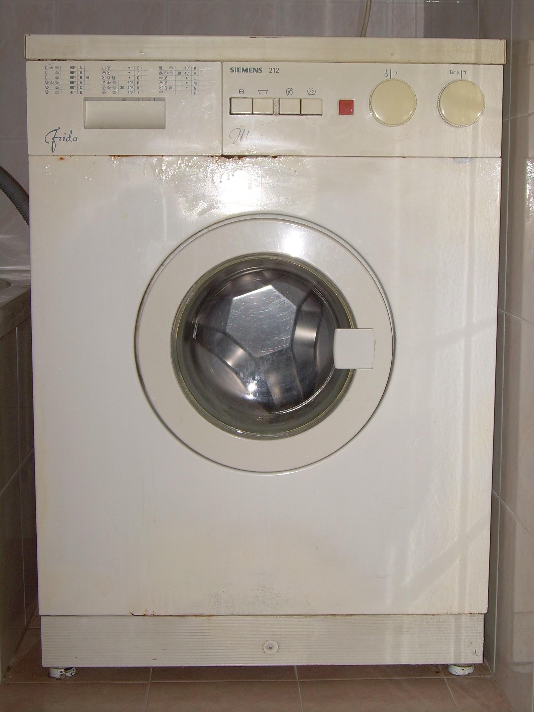 File lavatrice siemens 212 mini 39 frida 39 jpg wikimedia for Mini lavatrice