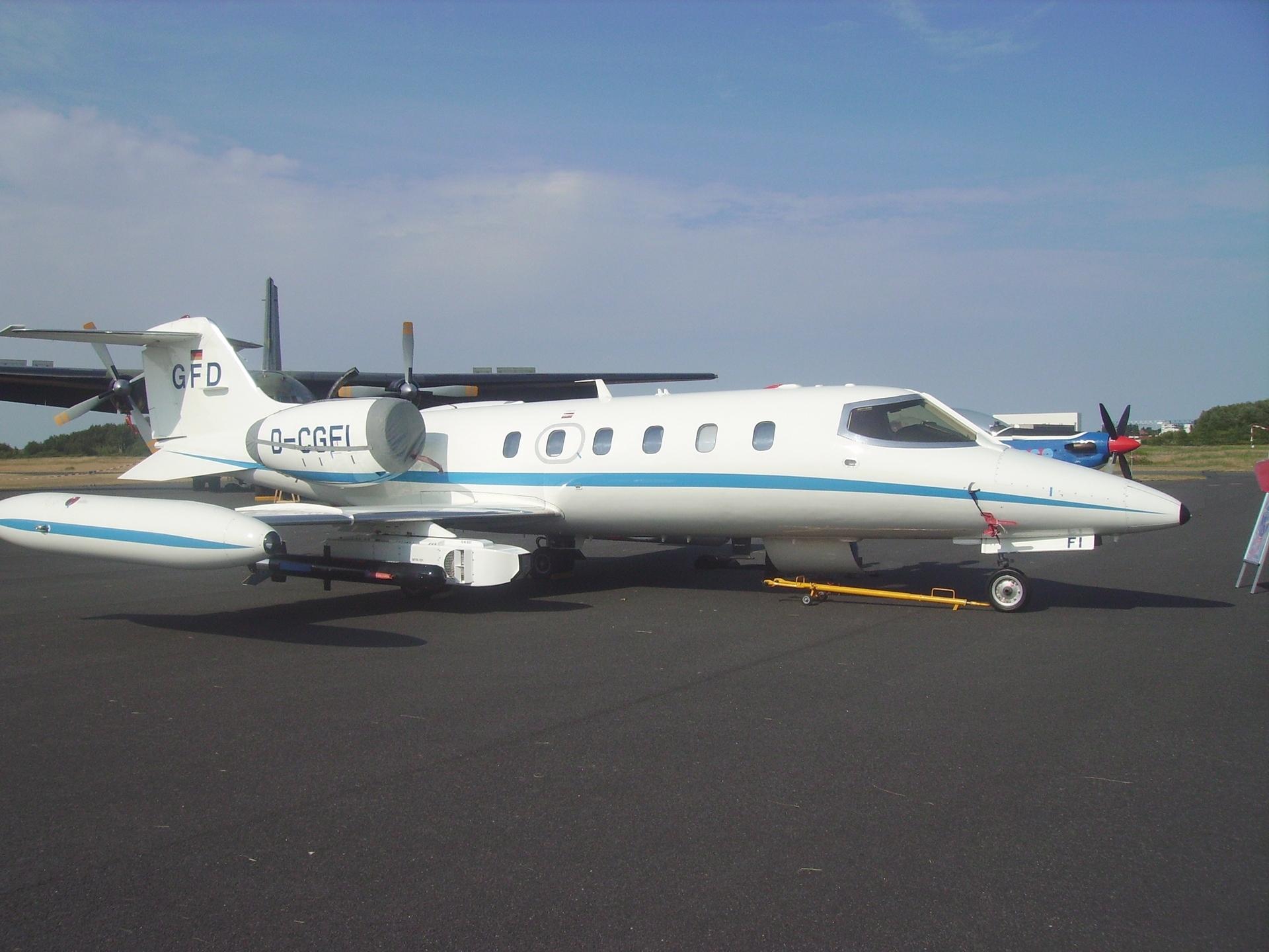 File:Learjet GFD.jpg - Wikimedia Commons