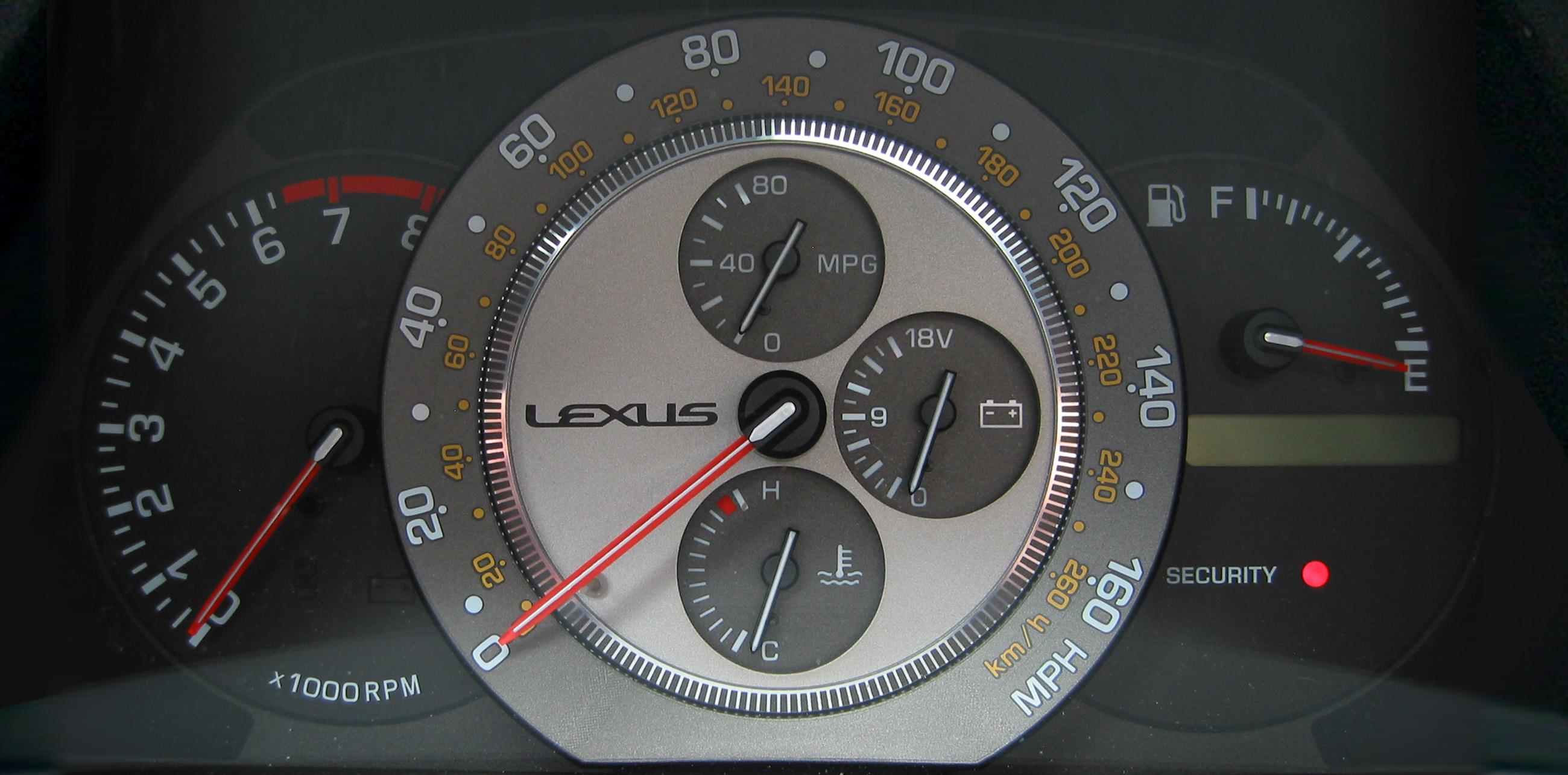 File:Lexus IS 300 instrument panel jpg - Wikimedia Commons