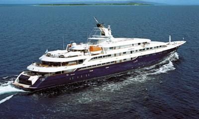 FileLuxury Yacht O Mega