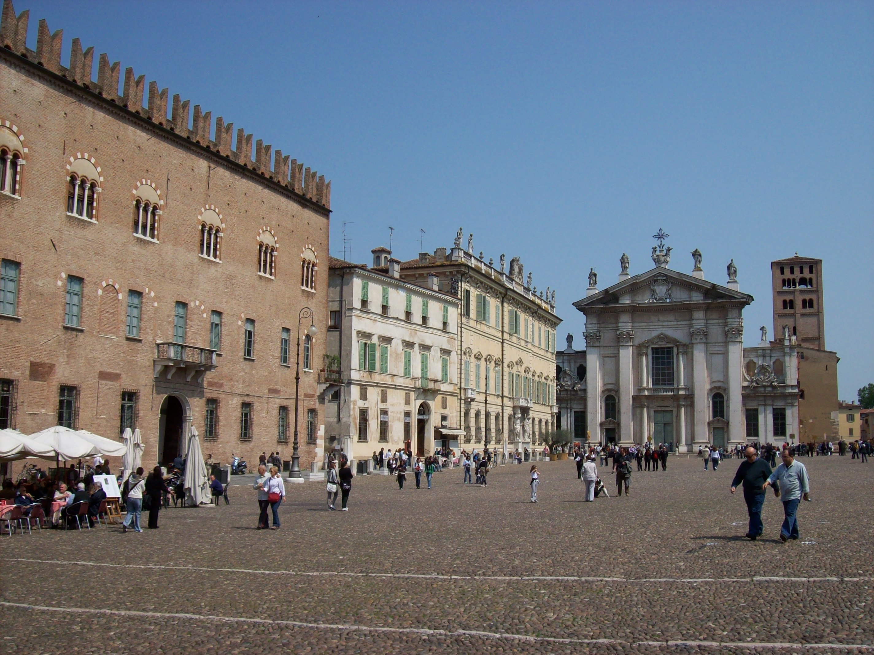 file mantova piazza