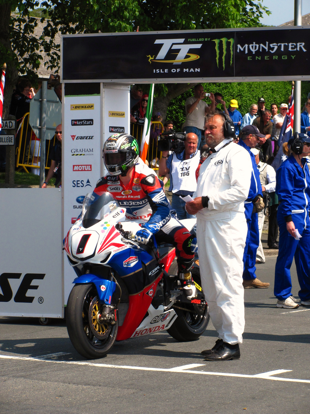2011 isle of man tt