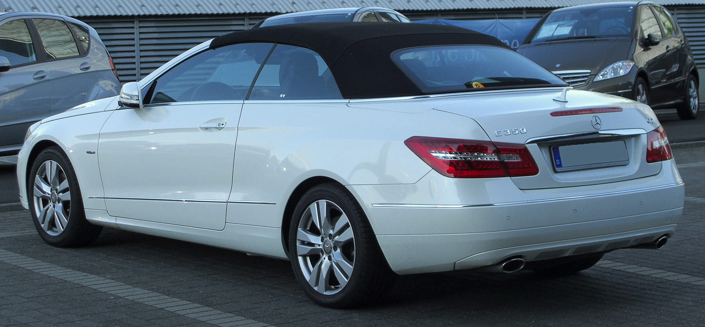 file mercedes e 350 cdi blueefficiency cabriolet a207 rear 1 wikimedia commons. Black Bedroom Furniture Sets. Home Design Ideas