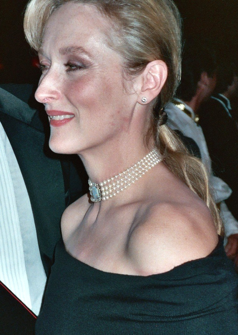 meryl-streep-higglety-pigglety-pop-or-there-must-be-more-to-life